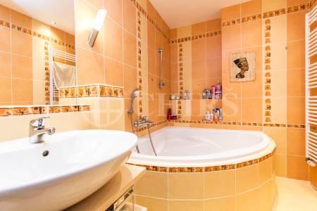 Prodej bytu 2+kk/B, OV, 47m2, ul. U Kamýku 284/11, Praha 4 - Kamýk