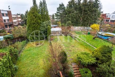 Pronájem rodinného domu 5+1 s balkony a terasou, OV, 230m2, ul. Krohova 2276/14, Praha 6 - Dejvice