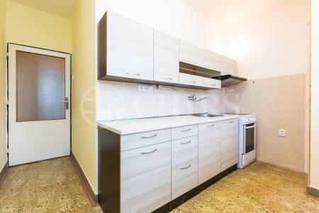 Prodej bytu 3+1 s balkonem, OV, 79m2, ul. Vsetínská 284/7, Praha 5 - Zličín