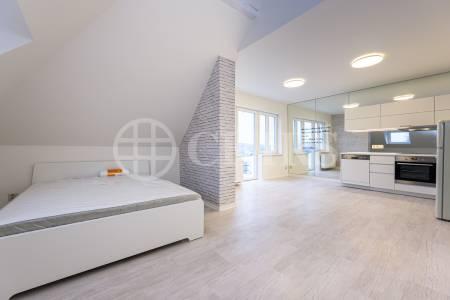 Pronájem bytu 1+kk/B, 37m2, OV, Branická 904/157, Praha 4