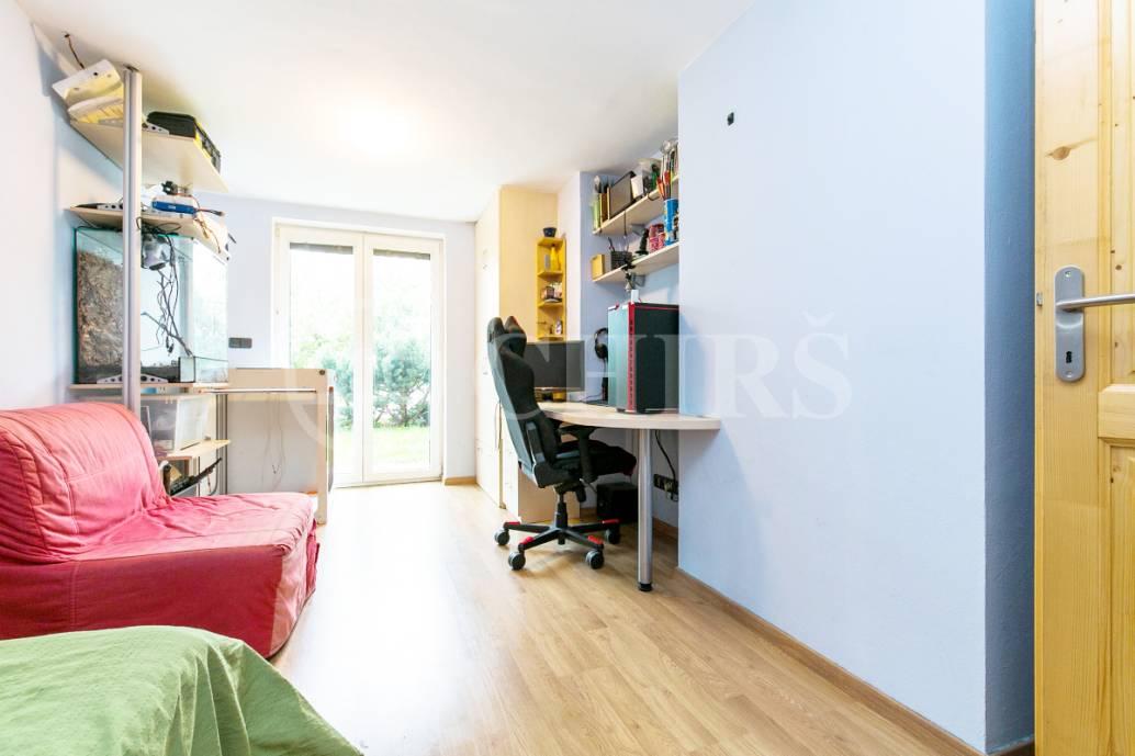 Prodej řadového rodinného domu 8+1, OV, 265m2, ul. Průhonek 1251/30, Praha 5 - Stodůlky
