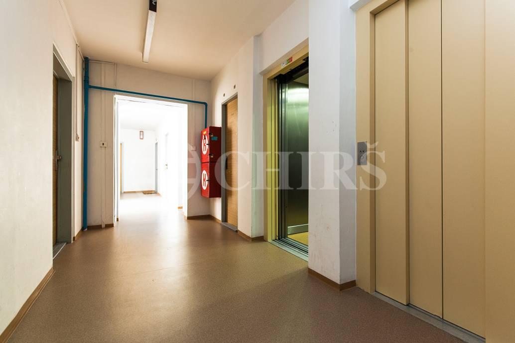 Prodej bytu 1+kk, OV, 33m2, ul. Běhounkova 2344/27, Praha 13 - Hůrka