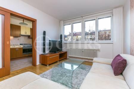 Prodej bytu 3+1, OV, 74m2, ul. Bulharská 1401/38, Praha 10 - Vršovice