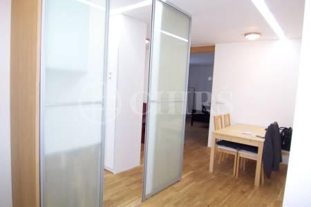 Pronájem zařízeného bytu 2+kk po rekonstrukci, 49 m2, ul. Na Jezerce 1741/19, P4 - Nusle