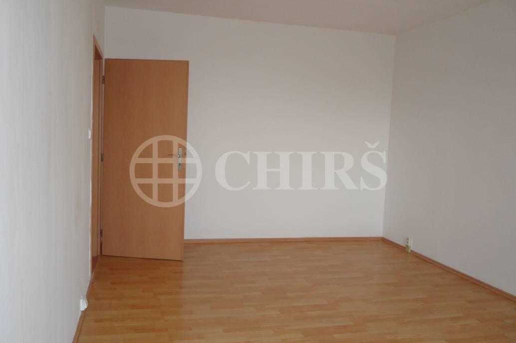 Pronájem bytu 3+1/L, OV, 80m2, ul. Cholupická 689/23, P-4 Kamýk