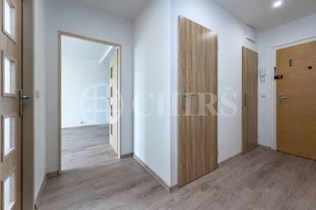 Pronájem bytu 2+kk, OV, 43m2, ul. Klukovická 1526/16, Praha 5 - Stodůlky