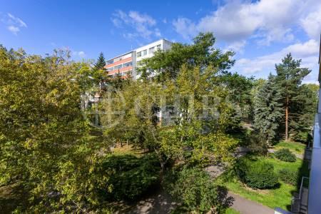 Prodej bytu 1+kk, 41 m2 s lodžií a komorou, ulice Černého 15, Praha 8 - Střížkov