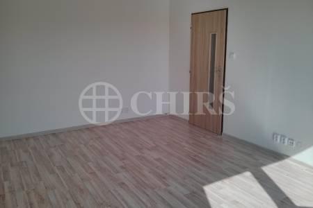 Pronájem bytu 1+kk, OV, 29 m2, ul. Matúškova 800/19 Praha 4 Háje.