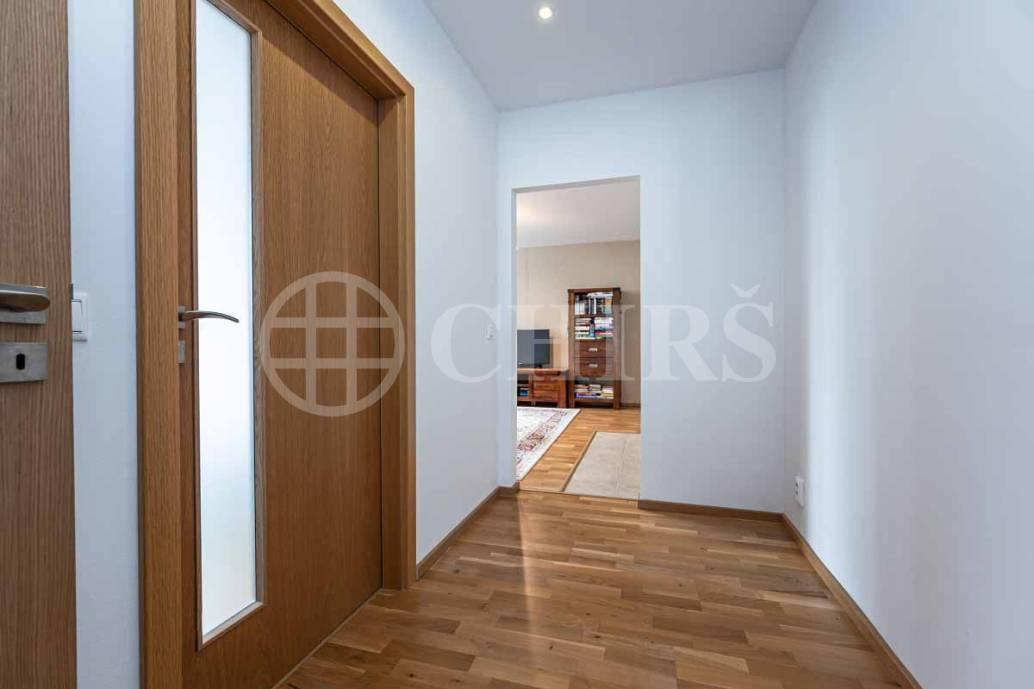 Prodej bytu 4+kk s lodžií a garáží, DV, 84m2, ul. Nad Šárkou 2087/16, Praha 6 - Dejvice