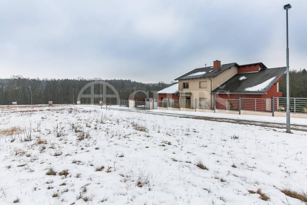 Prodej pozemků, OV, od 1885m2 do 3351m2, ul. Na Lukách, Unhošť, Středočeský kraj