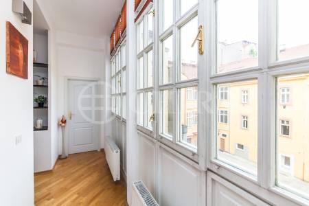 Prodej bytu 2+kk, OV, 50m2, ul. Staropramenná 404/7, Praha 5 - Smíchov