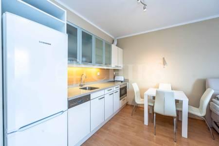 Pronájem bytu 1+kk s balkonem, OV, 38m2, ul. Za Zámečkem 745/17, Praha 5 - Jinonice