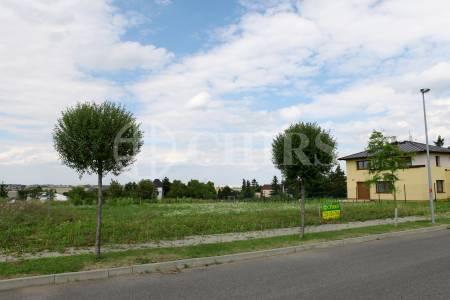 Prodej stavebního pozemku 1102m2, OV, ul. Nad Úvozy 149/13, Zbuzany,  Praha - západ
