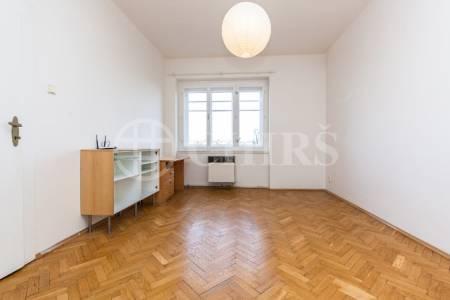 Pronájem bytu 2+kk, OV, 40m2, ul. Šlikova 1229/46, Praha 6 - Břevnov