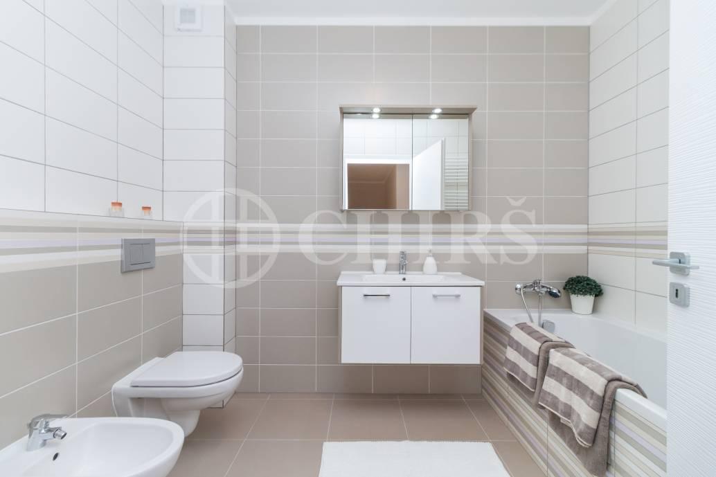 Prodej bytu 5+kk s garáží, balkónem a terasou, 185 m2, ul. Dačická, Praha 10 - Horní Měcholupy