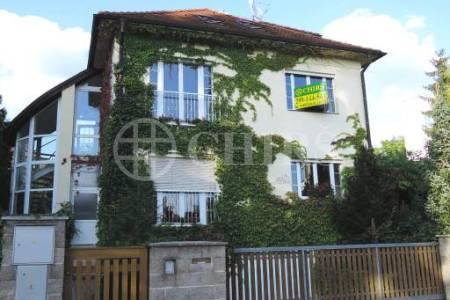 Pronájem reprezentativní vily 5+kk v ulici u Beranky 947/3, Praha 6 - Dejvice