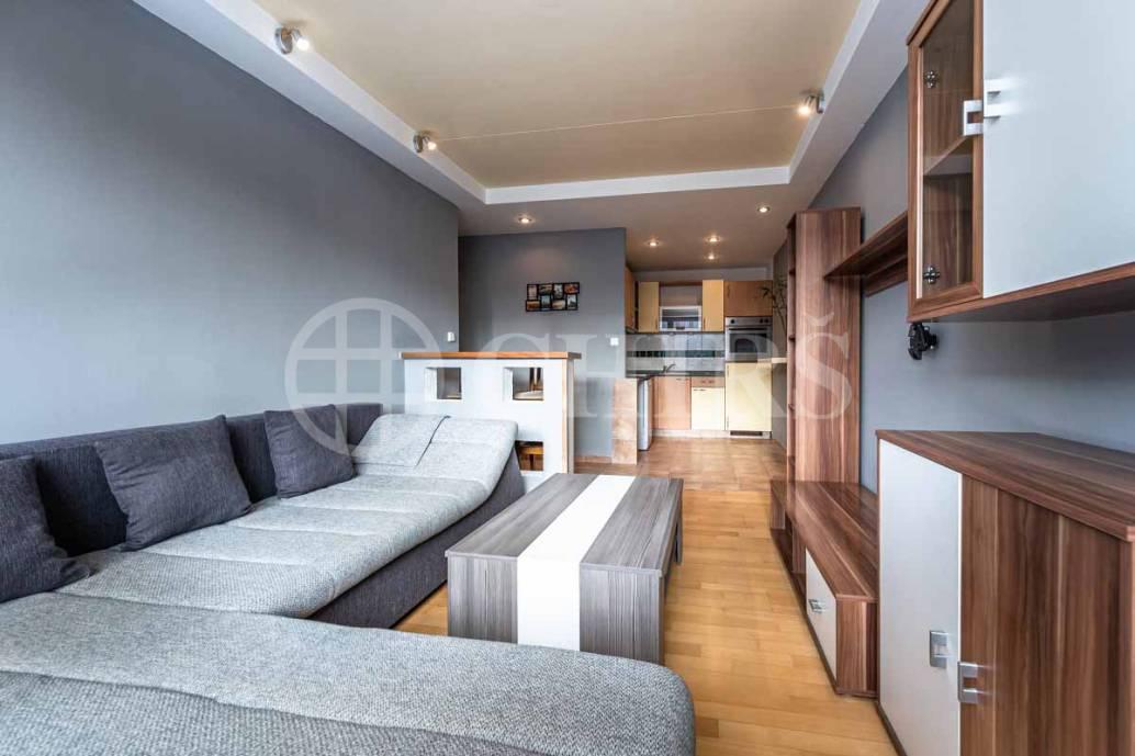 Pronájem bytu 2+kk, OV, 43m2, ul. Borovanského 221