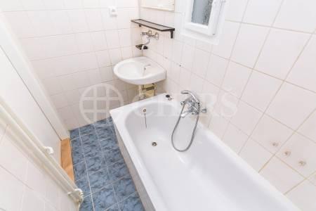 Pronájem bytu 2+kk, OV, 41 m2, ul. Ve Střešovičkách 1468/66, Praha 6 - Břevnov