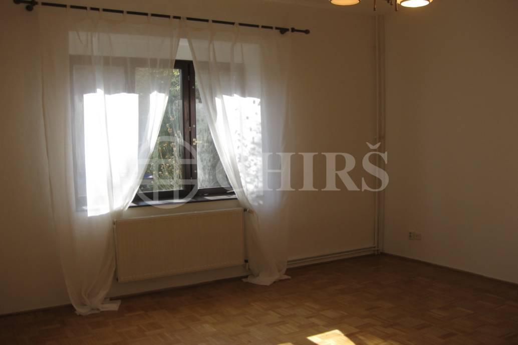 Pronájem částečně zařízeného bytu 1+1, 50 m2, Praha 6, ul. U Ladronky