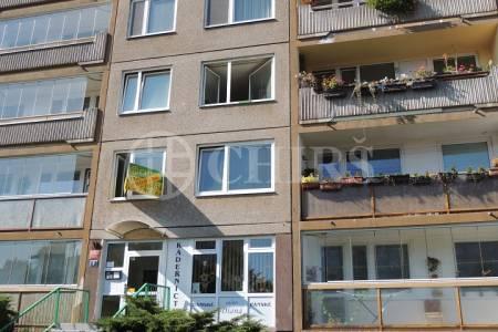 Prodej bytu 2+kk, OV, 43m2, ul. Trávníčkova 1763/3, Praha 13