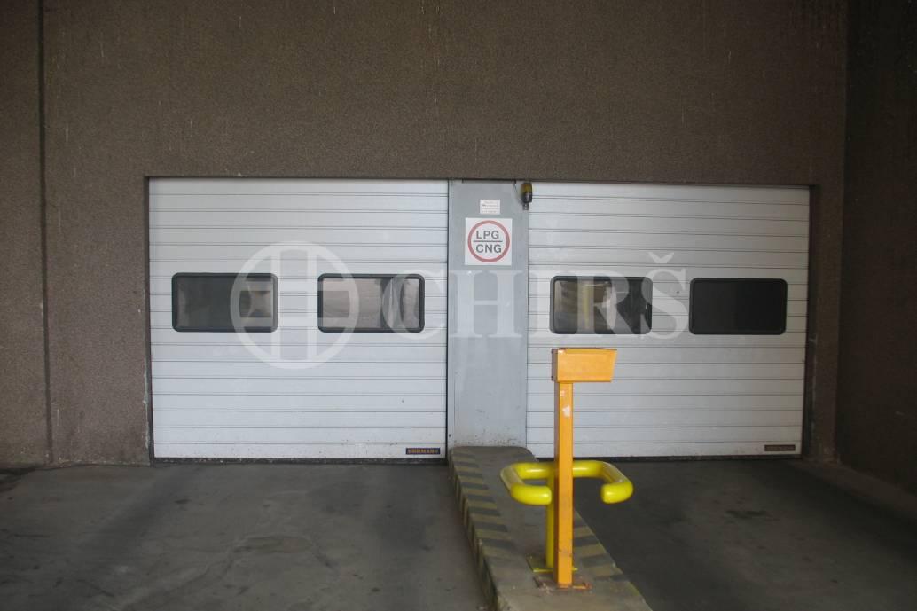 Pronájem garážového stání, OV, 24m2, ul. Petržílkova 2570/25, Praha 13 - Hůrka