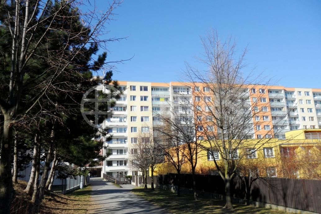 Prodej bytu 2+kk/L, OV, 53m2, ul. Běhounkova 2306/11,  Praha 13 - Hůrka
