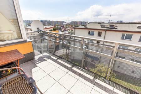Pronájem bytu 2+kk s terasou a garážovým stáním, OV, 58m2, ul. Melodická 1417, Praha 5 - Stodůlky