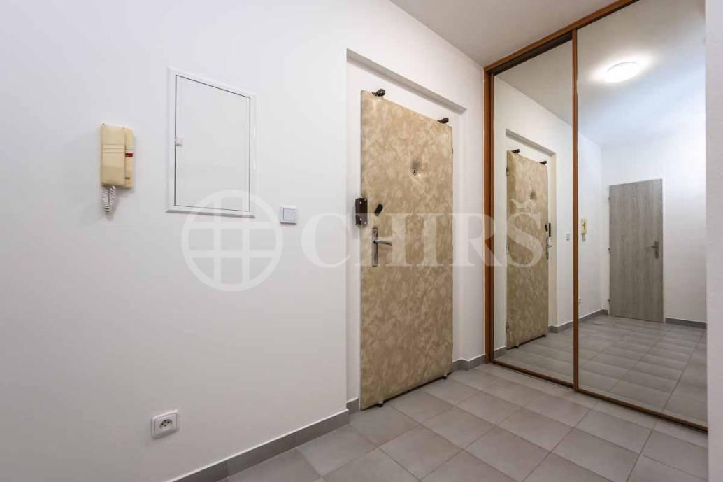 Pronájem bytu 2+kk s lodžií, OV, 57m2, ul. Běhounkova 2534/67, Praha 5 - Stodůlky