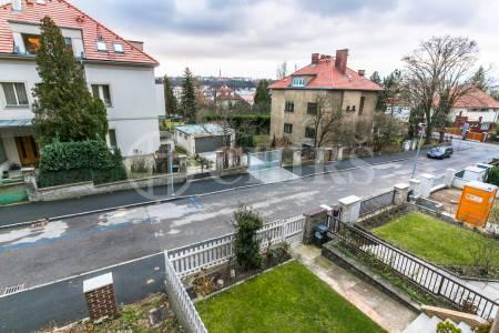 Prodej ŘRD 7 pokojů, 255m2, ul. Zvonická 714/11, Praha 6 – Hanspaulka