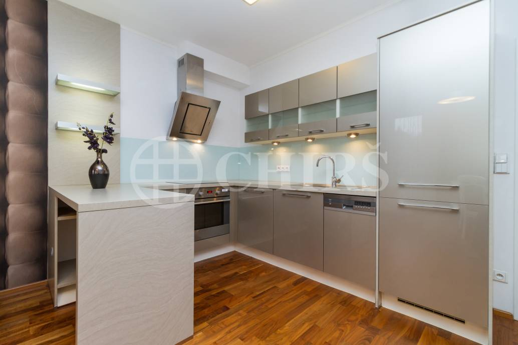 Prodej bytu 2+kk s balkonem, OV, 68m2, ul. Švédská 1010/15, Praha 5 - Smíchov
