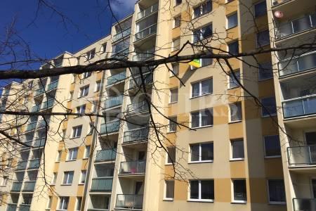 Pronájem bytu 1+kk, OV, 30 m2, ul. Brechtova 826/20, Praha 4 - Háje