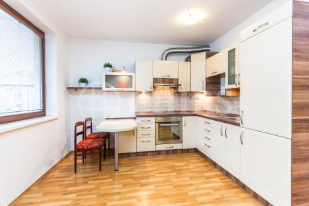 Pronájem bytu 1+kk, OV, 38m2, ul. U Měšťanského pivovaru 869/1a, Praha 7 - Holešovice