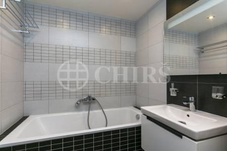 Prodej bytu 3+kk s balkonem a garážovým stáním, OV, 78m2, ul. Loosova 1020/7, Praha 4 - Háje