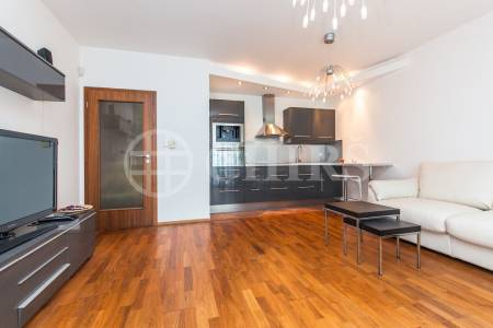Pronájem bytu 2+kk s terasou a garážovým stáním, OV, 52m2, ul. Nad Dalejským údolím 2689/5, Praha 5 - Stodůlky