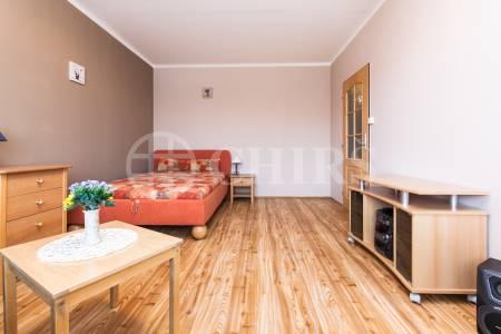 Pronájem bytu 1+kk, DV, 29m2, ul. Květnového vítězství 773/73, Praha 11 - Háje