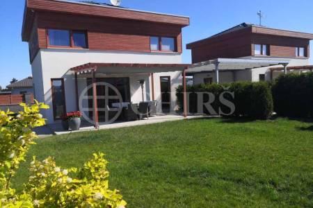 Prodej dvou rodinných domů, OV, 240m2, Žebrák, okr. Beroun