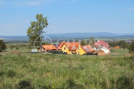 Prodej pozemku 1070 m2, ul. Nad Údolím, Karlovy Vary- Jenišov