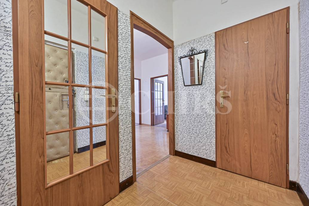 Prodej bytu 3+1, OV, 97m2, Parléřova, Praha 6