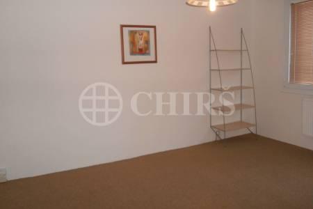Pronájem bytu 2+kk/L v mezipatře, OV, 39m2, ul. Seidlova 477/10, P-12 - Kamýk