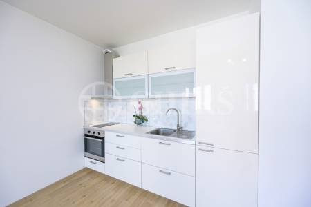 Prodej bytu 2+kk, OV, 43m2, ul. Högerova 1098/15, Praha 5 - Hlubočepy