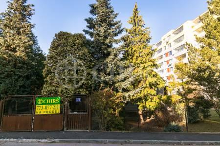 Prodej pozemku se stavbou, OV, 842m2, Praha 4 - Chodov