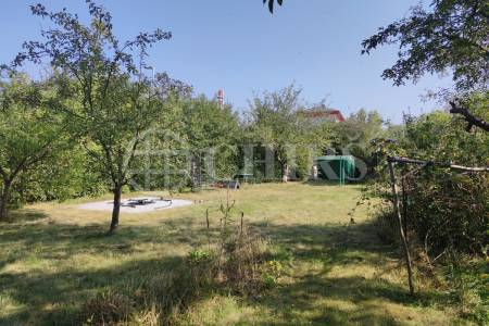 Prodej pozemku, OV, 781m2, ul.Dobrovolného, Roztoky, okr. Praha-západ