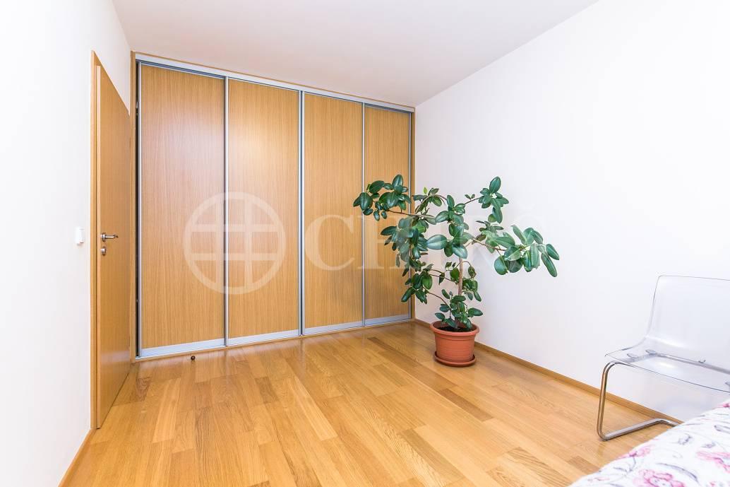 Prodej bytu 4+kk/T/2xGS, OV, 92m2, ul. Dismanova 2624/2, Praha 5 - Stodůlky