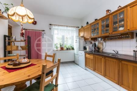 Prodej RD 4+1 se zahradou, OV, 125 m2, ul. V Předním Veleslavíně 463/25, Praha 6 - Vokovice