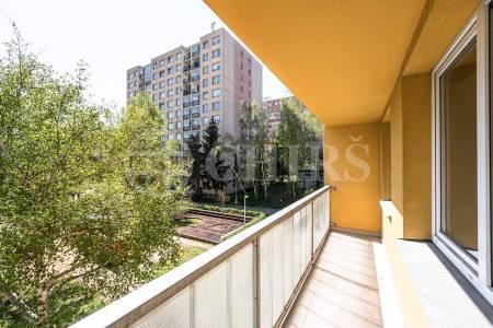 Prodej bytu 3+1 s lodžií, OV, 73m2, ul. Laudova 1007/21, Praha 6 - Řepy