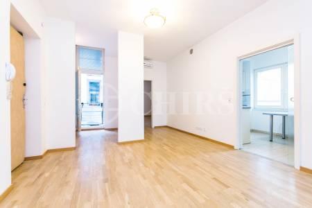 Prodej bytu 3+1 se dvěma balkony, OV, 96m2, ul. Terronská 871/74, Praha 6 - Bubeneč