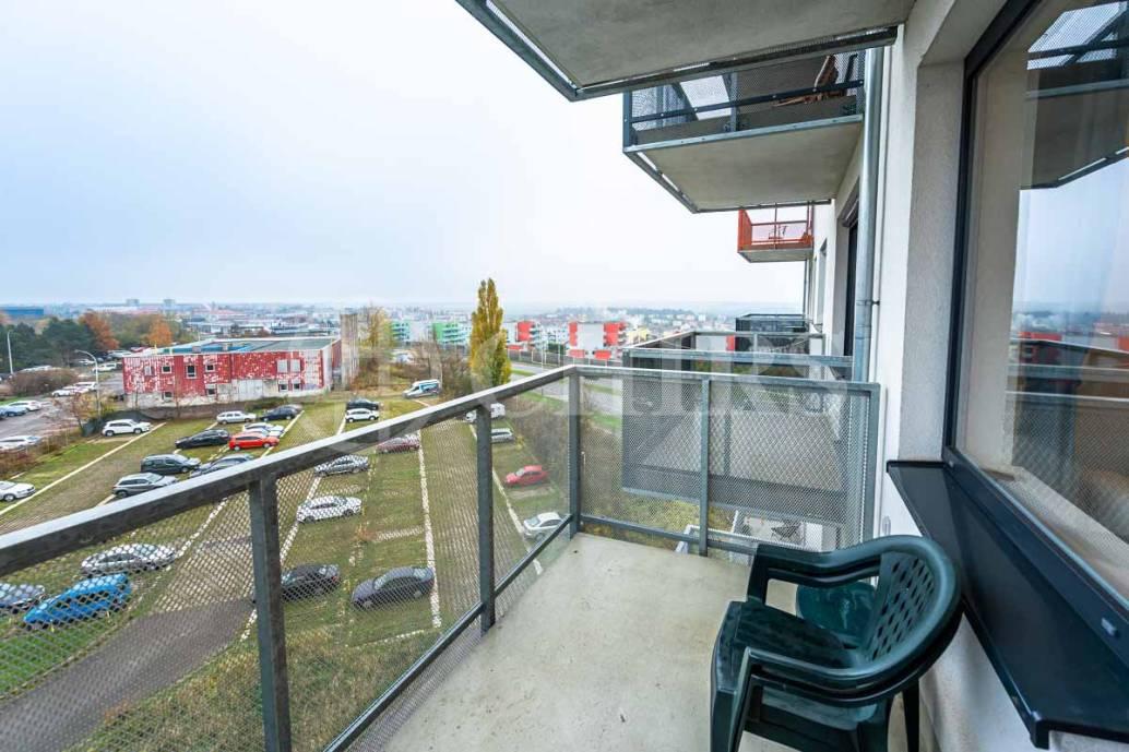 Pronájem bytu 1+kk s balkonem, OV, 28m2, ul. Holýšovská 2923/4, Praha 5 - Stodůlky