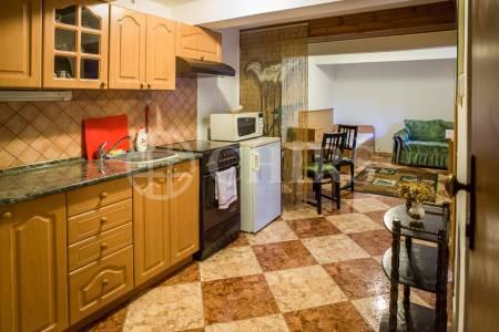 Pronájem bytu 1+kk / 30 m2, v rodinném domě v ulici Na Žvahově, Praha 5