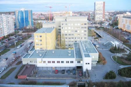 Prodej bytu 2+kk/B/GS, OV, 85m2, ul. Petržílkova 2583/15, Praha 13 - Hůrka