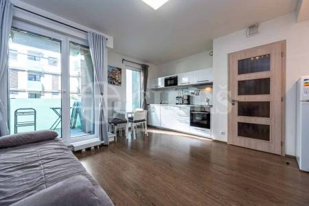 Pronájem bytu 2+kk s balkonem, OV, 43m2, ul. Petržílkova 2835/3, Praha 5 - Stodůlky